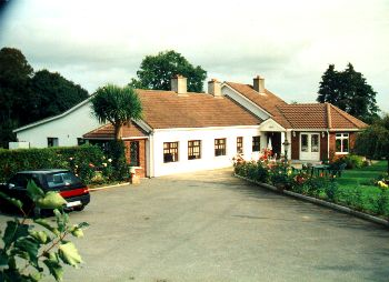 Cahir Equestrian Centre  and Farmhouse Accommodation,  Ardfinnan Road,  Cahir,  Co. Tipperary